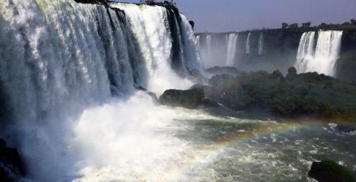 Gol e entidades de turismo levam influenciadores digitais a Foz do Iguaçu no pico da pandemia