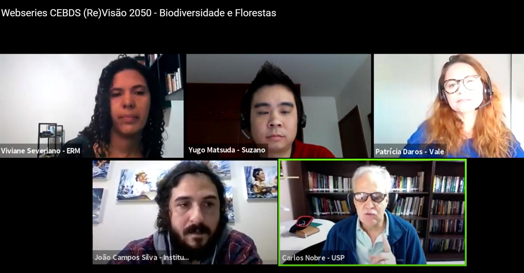 A moderadora Viviane Severiano, da ERM Consultoria, Yugo Matsuda, da Suzano, Patrícia Daros, da Vale, João Campos, do Instituto Juruá, e o cientista Carlos Nobre: biodiversidade e florestas em debate promovido pel CEDBS (Rprodução)