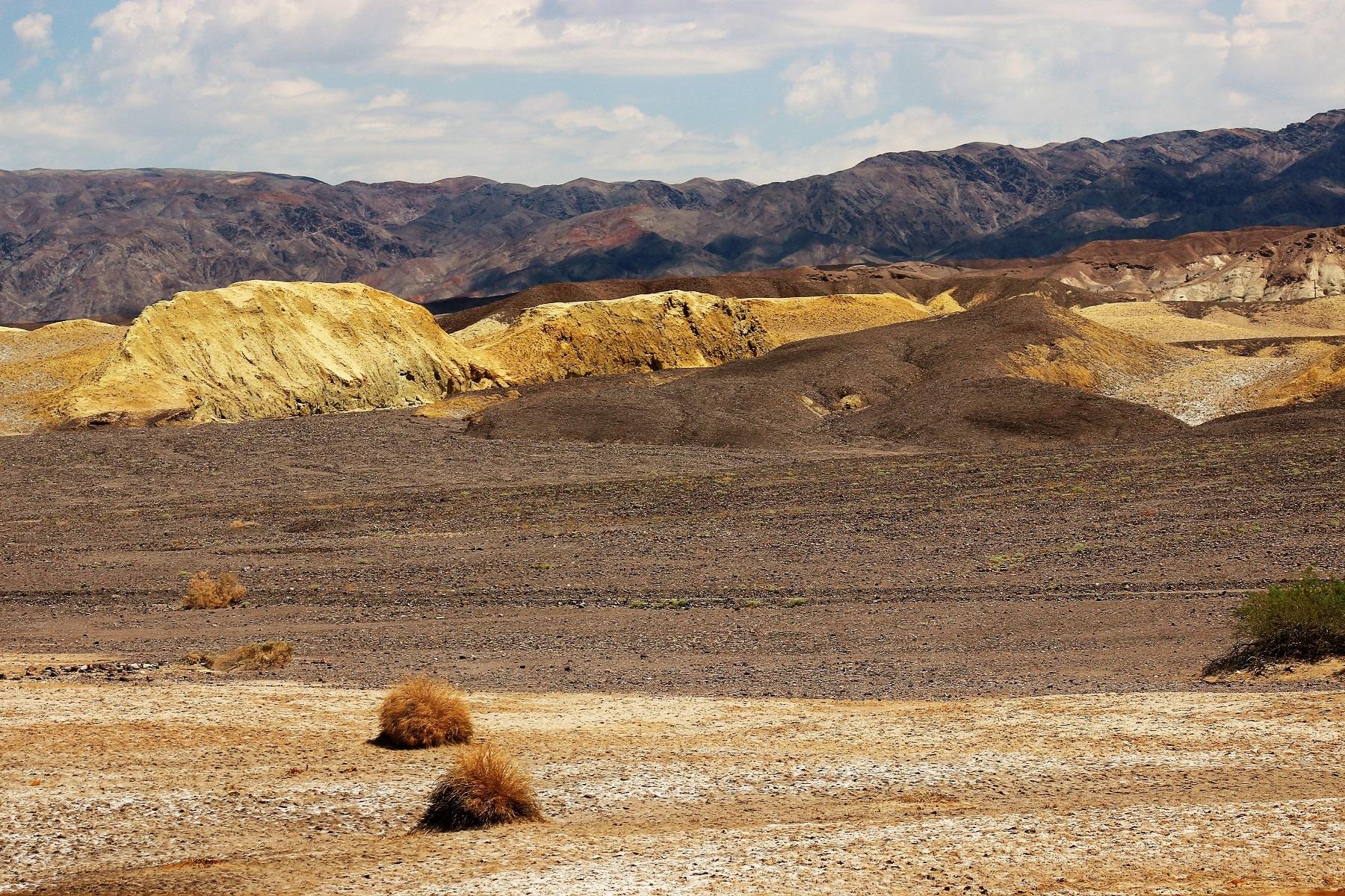 O minério que fez a riqueza dos exploradores do Vale da Morte não foi o ouro, mas o bórax, ou borato de sódio. Foto Carla Lencastre