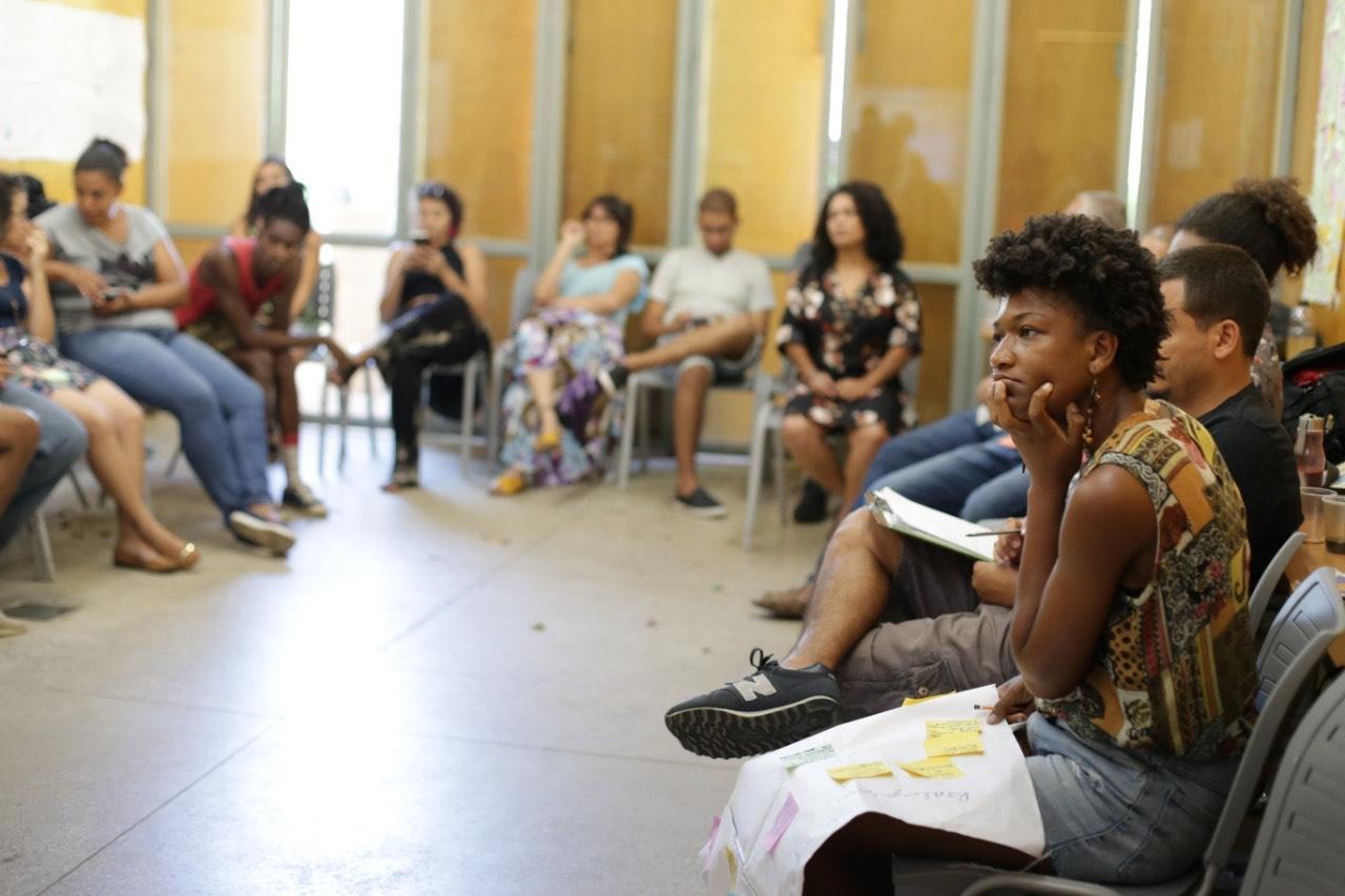Debate em Santa Cruz para a construção da agenda local: além de emprego, prioridades para saúde, educação e cultura (Foto: Larissa Amorim)