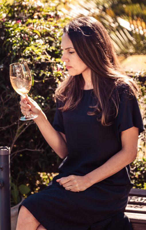 """A enólogo Marina Santos, da Vinha Unna: """"vinho natural é digerido com mais facilidade e dá menos dor de cabeça"""" (Foto: Divulgação"""