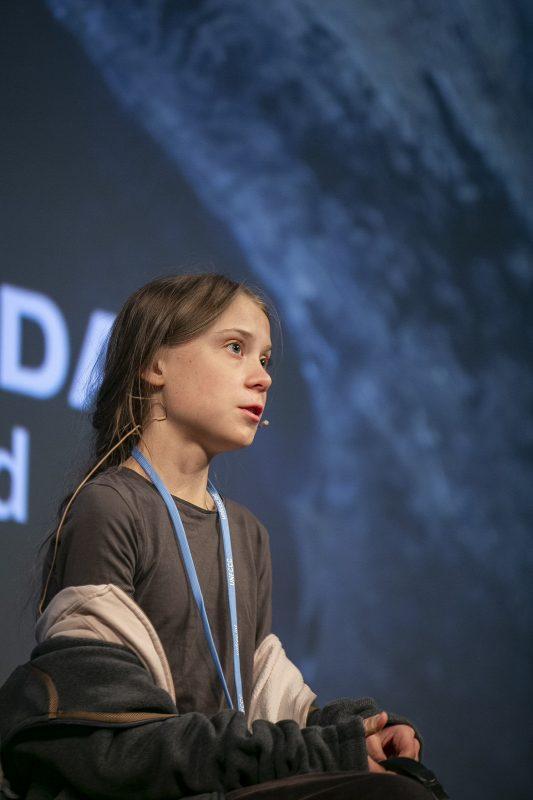 A jovem ativista Greta Thungberg concede uma entrevista coletiva durante a COP25. Foto Pablo Porlan/AFP