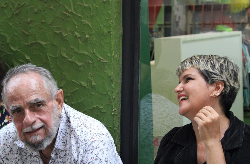 O artista plástico Vitelli, de Planaltina, e a professora Patrícia Passarinho, de Guará: vozes multifacetadas da periferia da capital (Foto: Beatriz Marques)