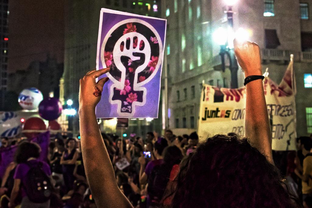 Marcha pela vida das mulheres em 2017, na Avenida Paulista: evento chamado de 8M, acontece todos os anos em vários locais do Brasil; (Foto: Daniel Arroyo/Ponte Jornalismo)