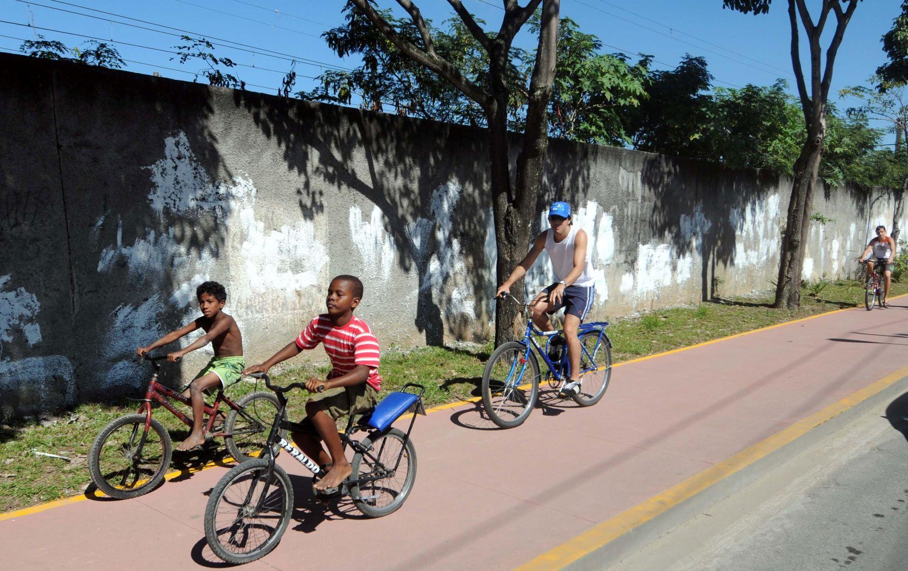 Ciclovia na Zona Oeste do Rio, inaugurada em 2011: cidade sem investimentos em infraestrutura cicloviária desde 2017 (Foto: J. P. Engelbrecht/Prefeitura do Rio)