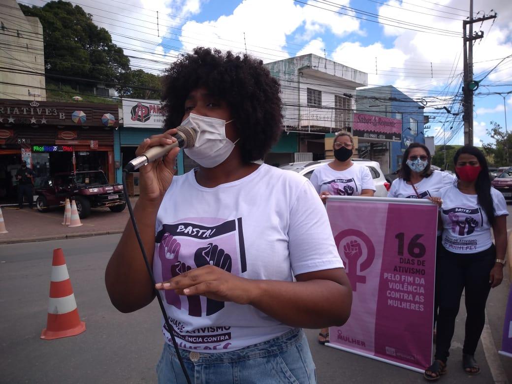 Mulheres em ato contra a violência em Pernambuco: secretária-geral da ActionAid defende que o fortalecimento da liderança local em respostas humanitárias - especialmente de mulheres e meninas - é a chave para a eficácia (Rafael Negrão/Centro das Mulheres do Cabo)