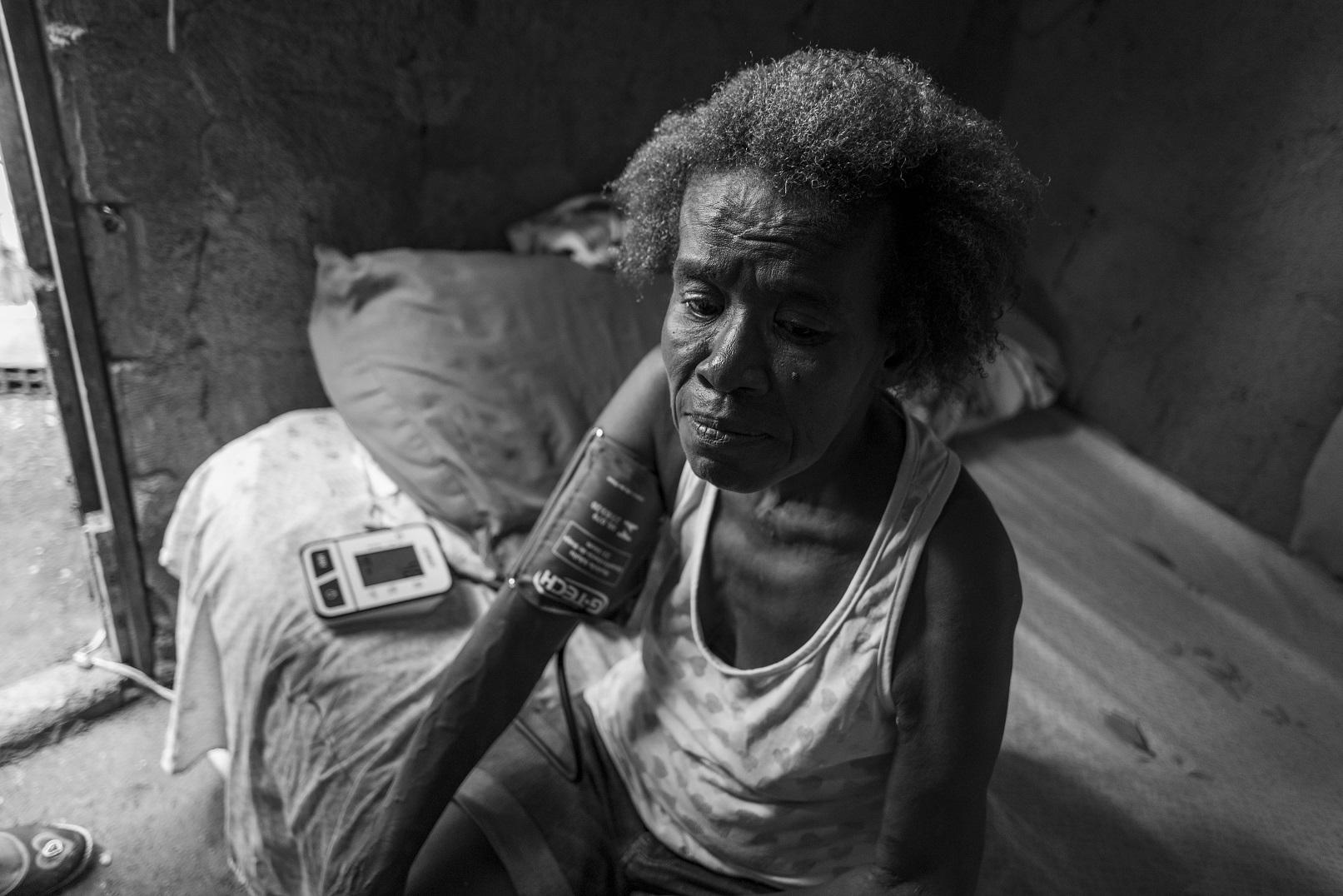 Jandira Maria da Silva vive na Vila Central, em Queimados, na Baixada Fluminense. Foto Sara Gehren. Março/2021