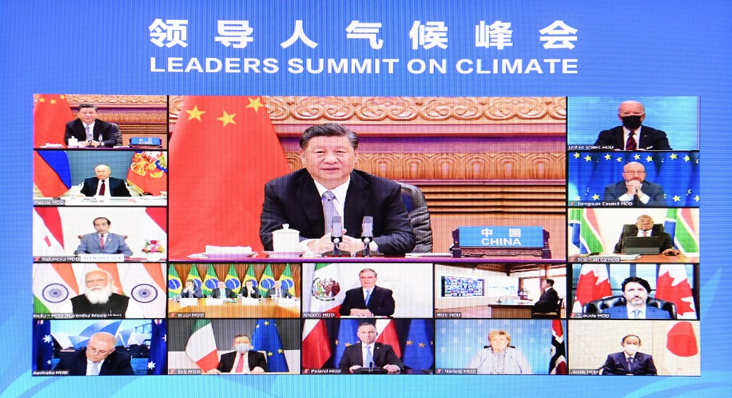 """O presidente chinês Xi Jinping na Cúpula de Líderes pelo Clima: discurso batizado """"Pelo Homem e pela Natureza: Construindo uma Comunidade de Vida em Conjunto"""" (Foto: Li Xiang / Xinhua / AFP)"""