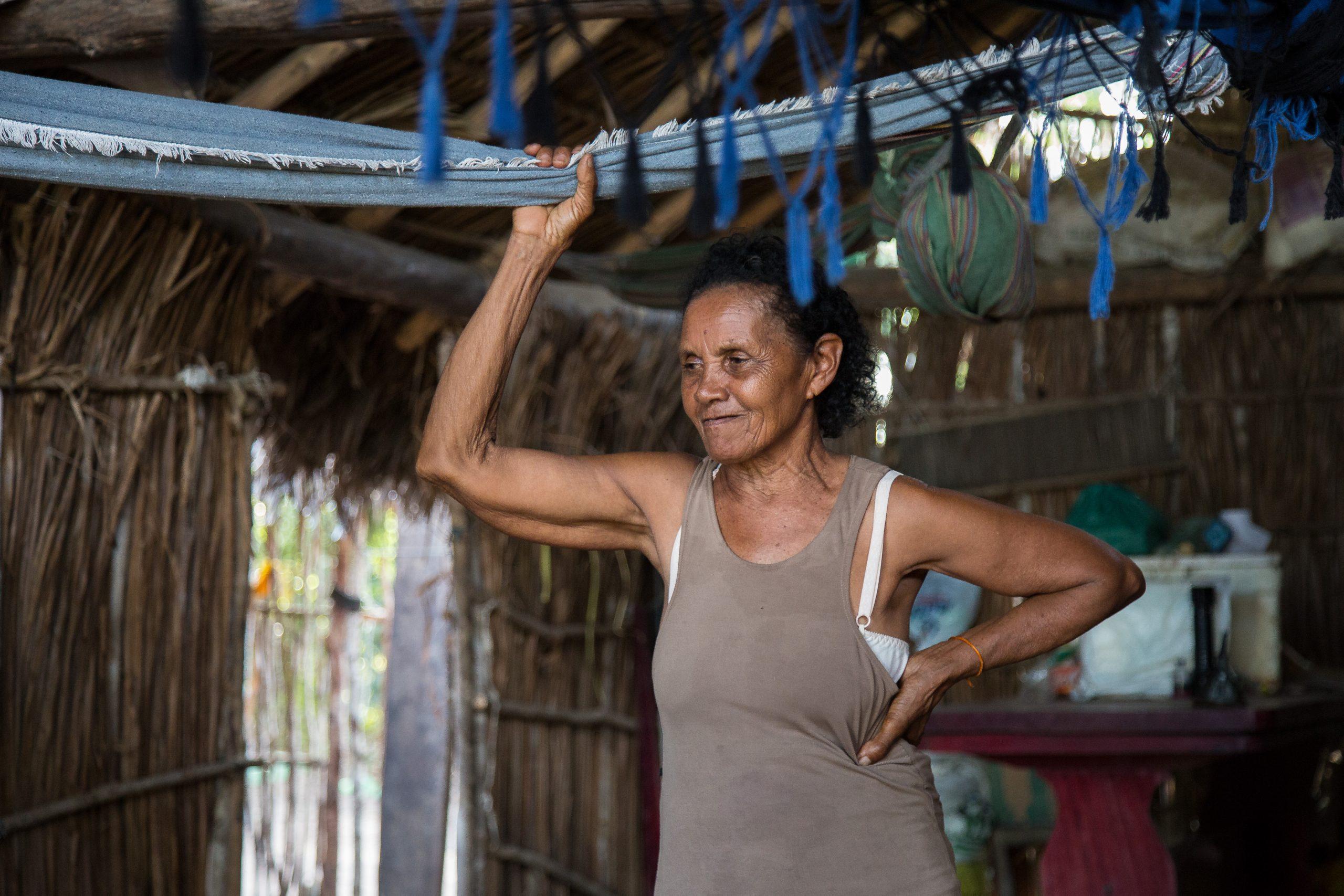 Dona Raimunda, matriarca da Comunidade Tauá, vive sob ameaça dos grileiros. Foto de Thomas Bauer