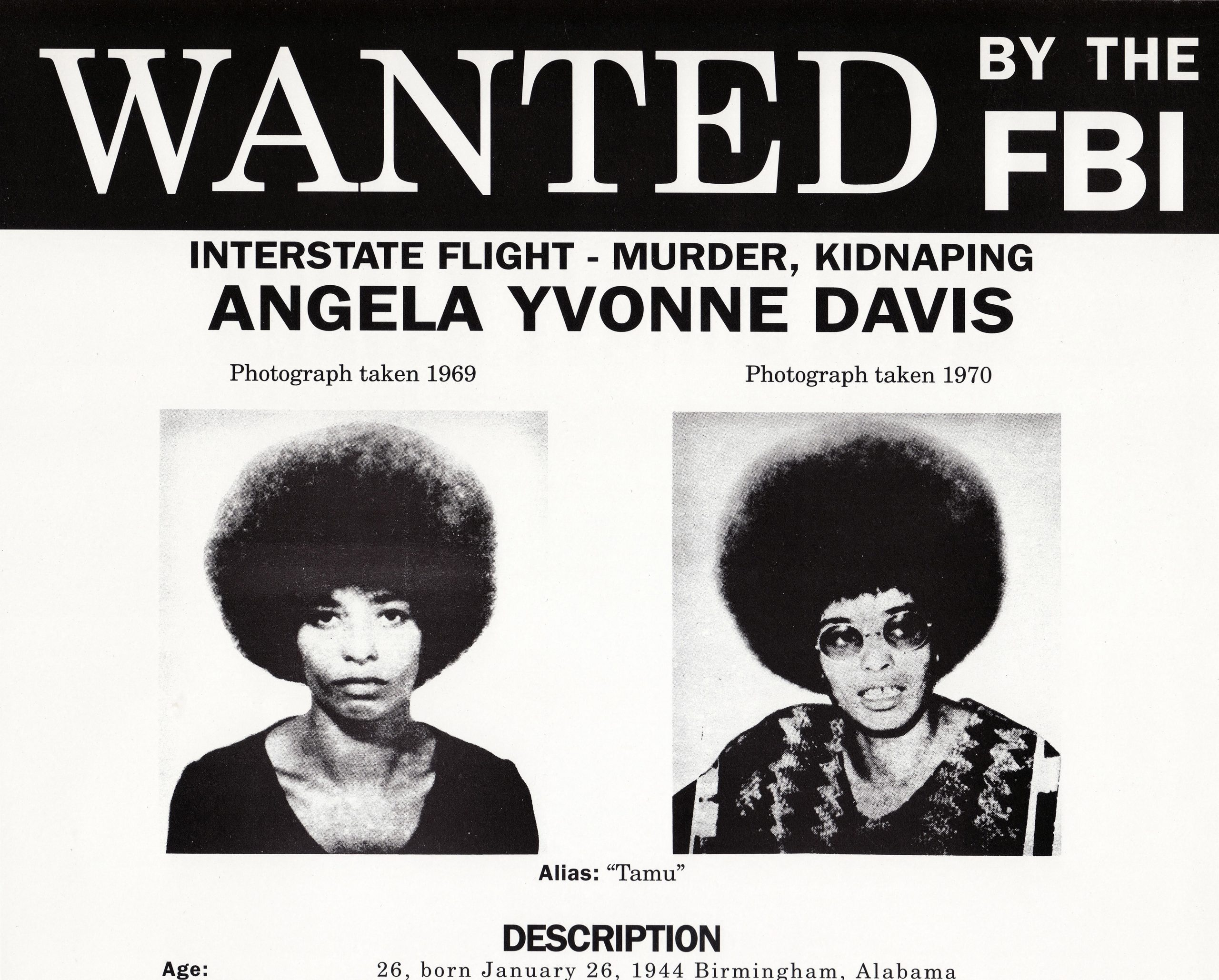 Cabelo black power: pôster do FBI de Angela Davis, da década de 1970. Ativista foi procurada pela justiça americana (Crédito: Ann Ronan Picture Library / Photo12 via AFP)