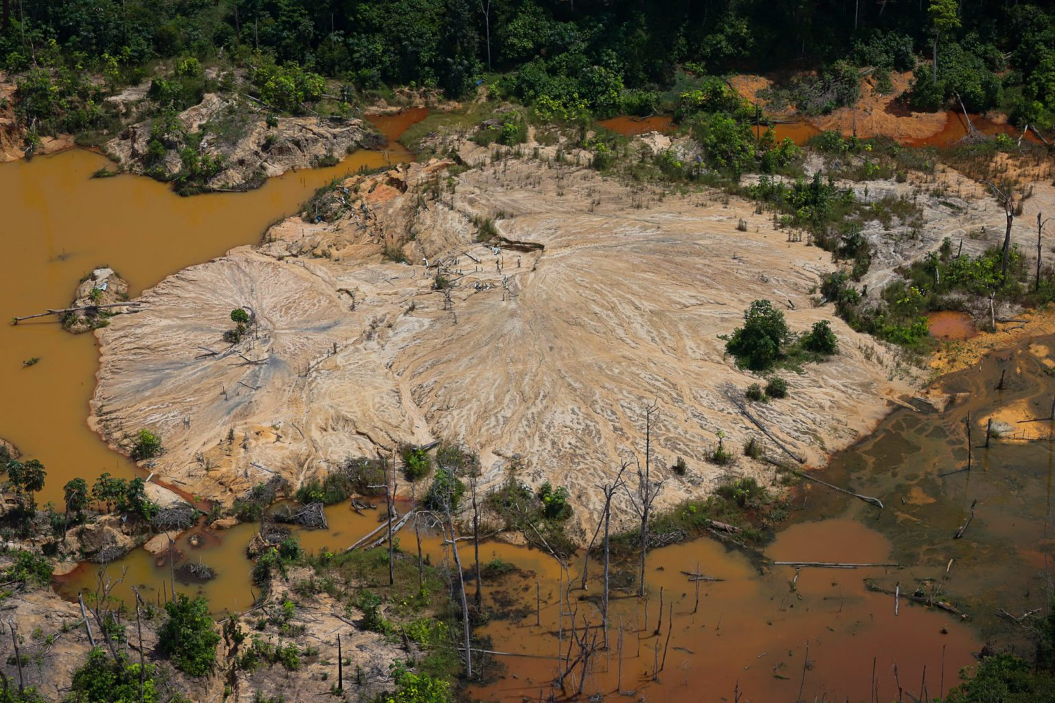 Garimpo ilegal na Terra Yanomami: aumento de 30% na atividade (Foto: Chico Batata / Greenpeace / Amazônia Real)