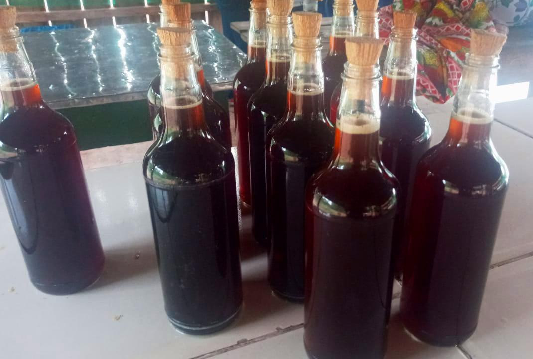 Melaço de cana-de-açúcar produzido pelos indígenas Terena de Córrego Seco (MS). Foto Paulo Amorim Terena