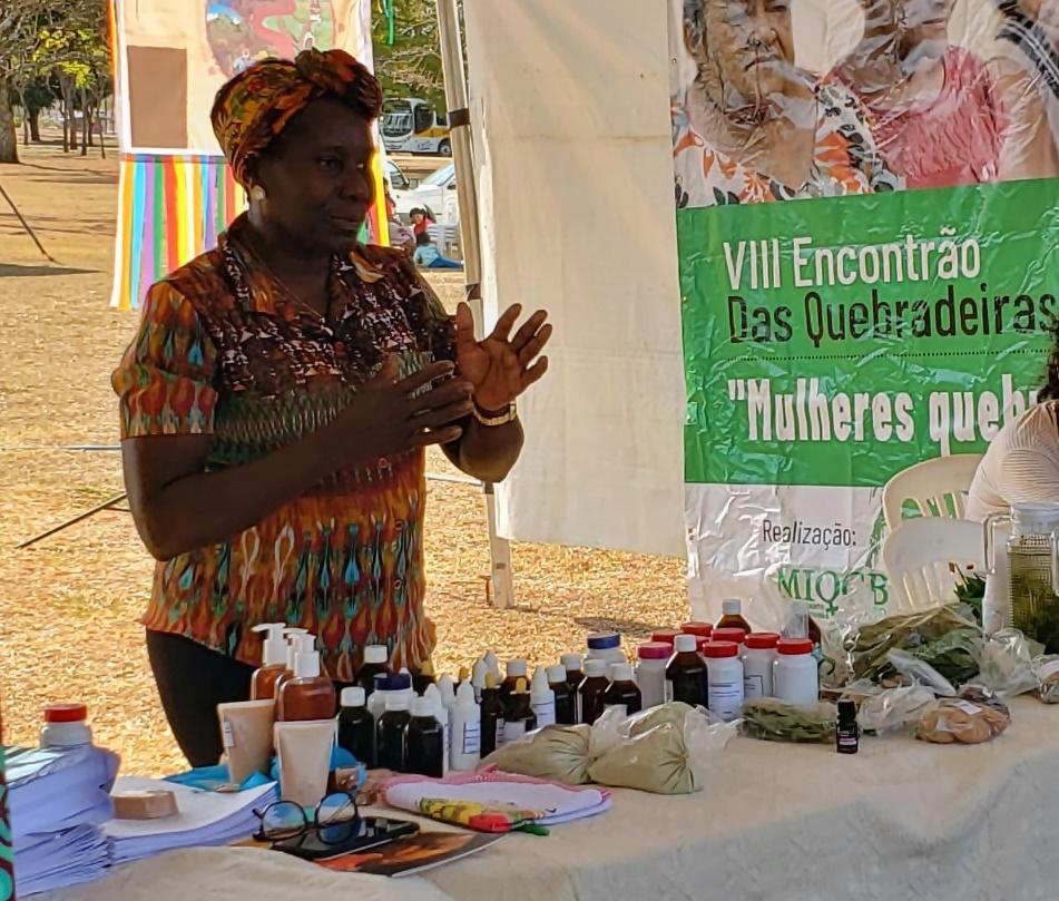 Lucely Pio: mestra quilombola que ensina as propriedades terapêuticas das plantas. Foto divulgação