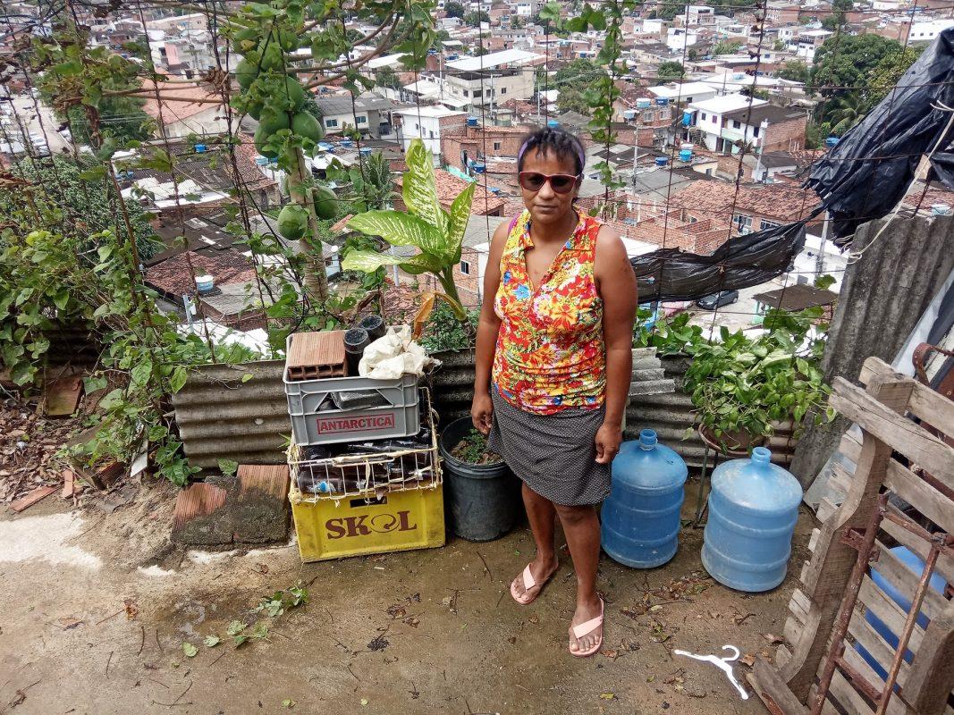 Dona Tô, moradora do Alto Nova Olinda