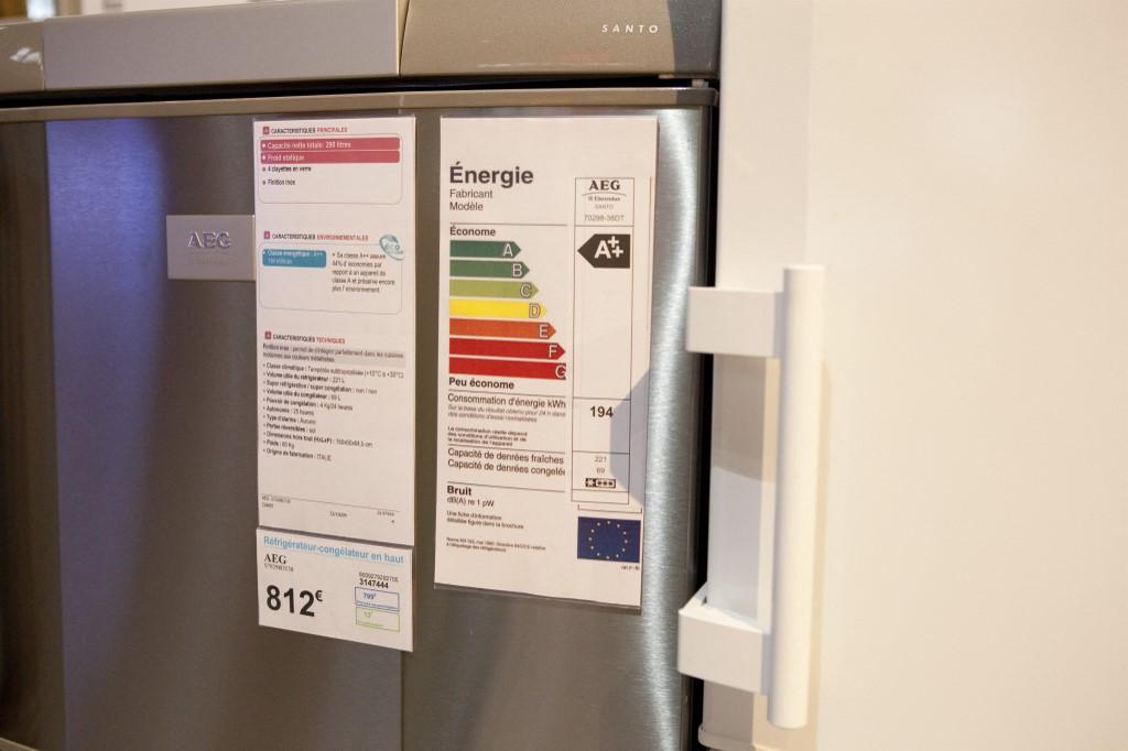 Geladeiras à venda na França: padrão internacional usado pela União Europeia garante refrigeradores duas vezes mais econômicas do que os fabricados brasileiros (Foto: JCD Pratt / Photononstop / AFP)