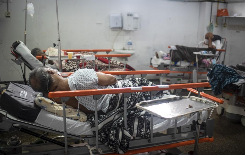 UTI de hospital no Rio de Janeiro: estudo da USP constatou sintomas persistentes, como cansaço, dores pelo corpo e dispneia em pacientes de covid-19 meses depois de alta médica (Fabio Teixeira / Anadolu Agency / AFP - 28/05/2021)