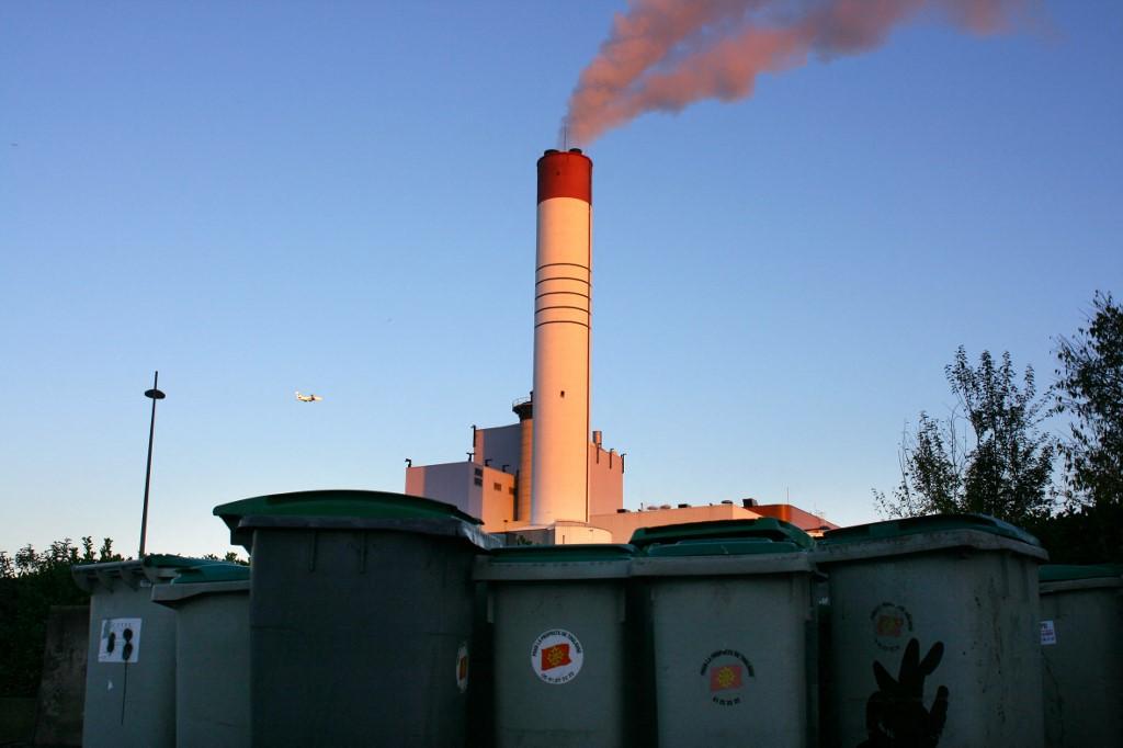 Usina de incineração de lixo no norte da França: método de transformar lixo em combustível através da queima vai acabar até 2050 (Foto: Arnaud Chochon / Hans Lucas / AFP)