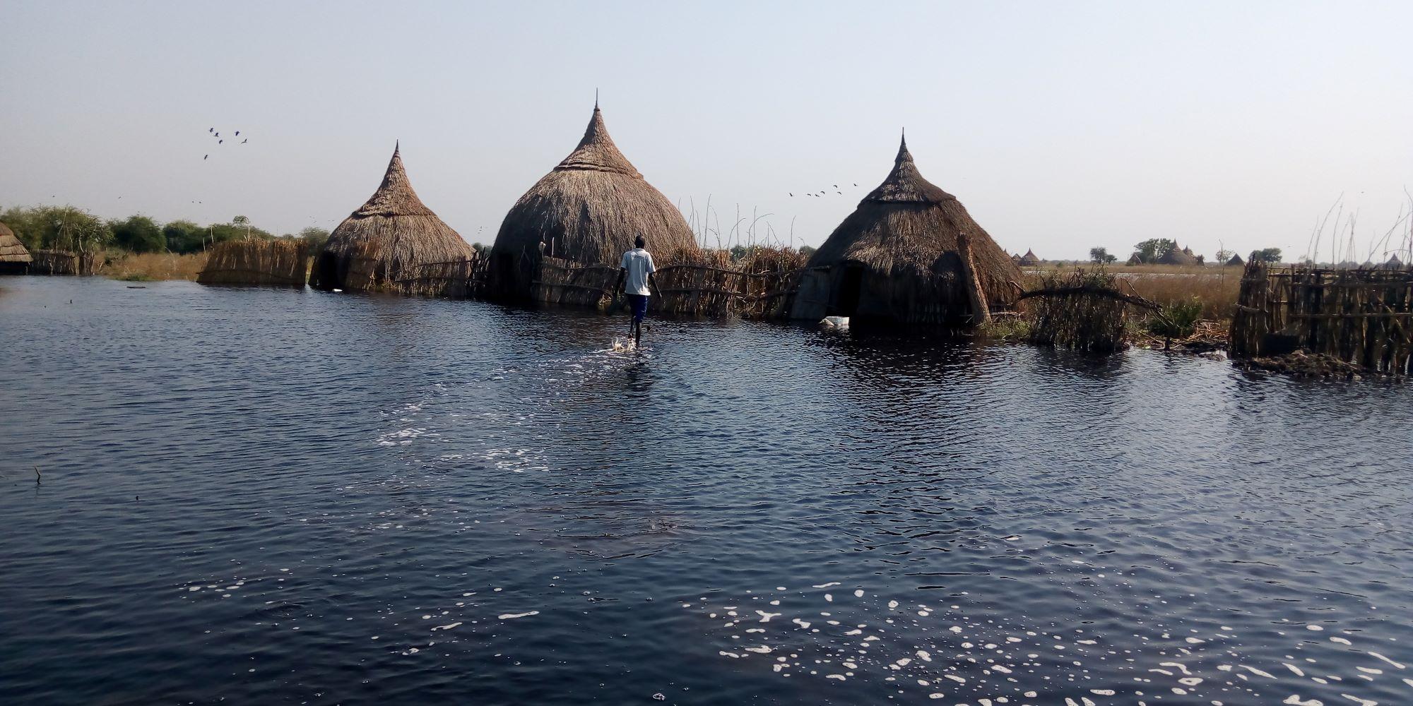 Enchente após temporais no Sudão do Sul: número de desastres climáticos cresce no mundo inteiro (Foto: Christian Jepsen/NRC/IMDC)