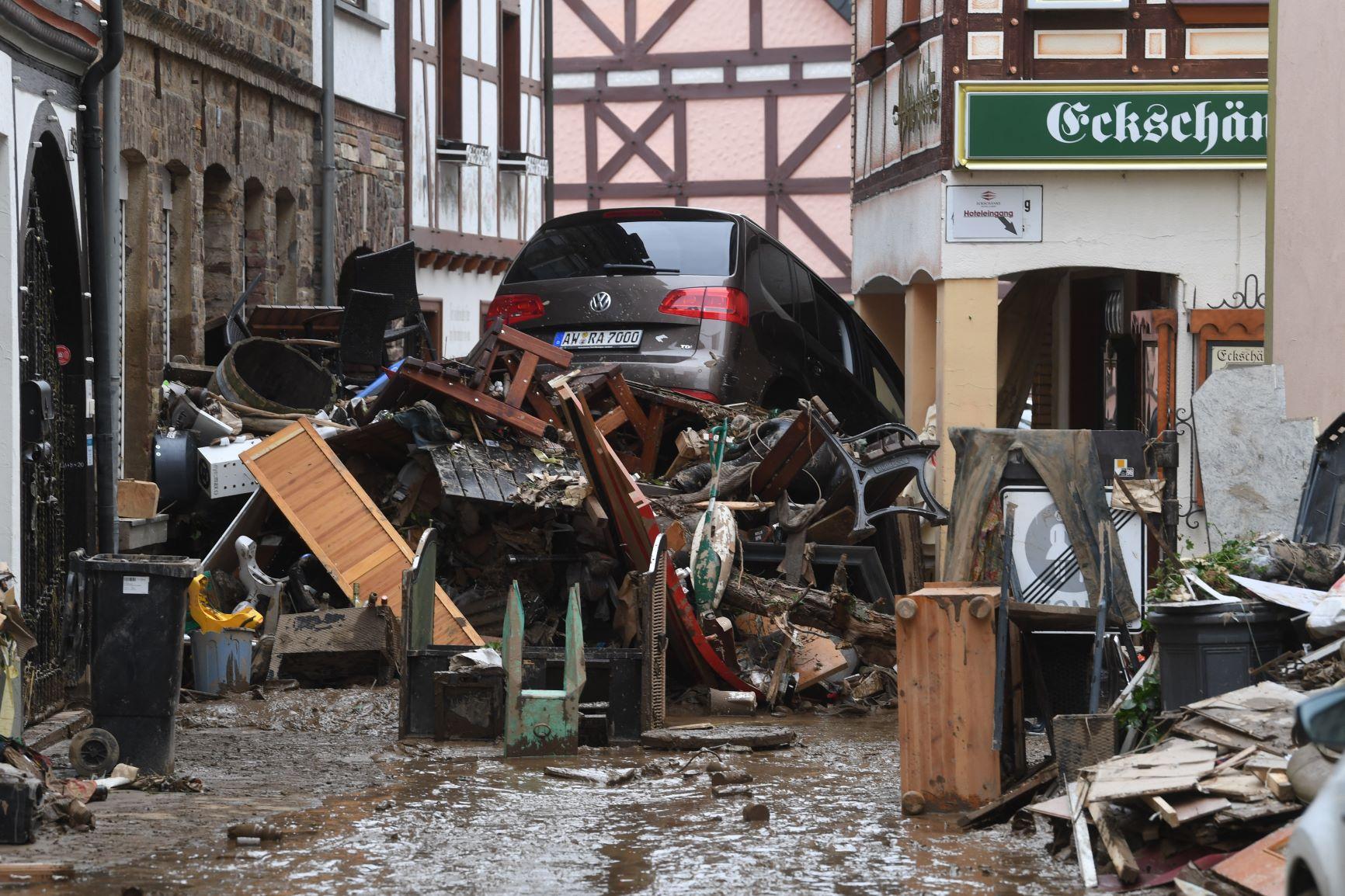 Destruição causada pelas enchentes em Bad Neuenahr-Ahrweiler, na Alemanha: número de mortos se aproxima de 200 (Foto: Cristof Stache / AFP - 17/07/2021)