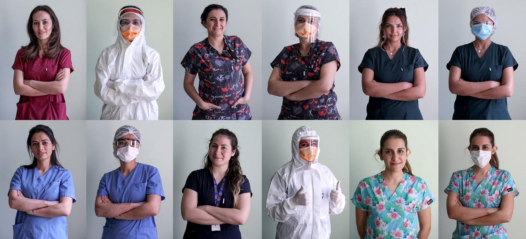 Médicas, enfermeiras, cuidadoras e outras profissionais de saúde de um hospital na Turquia, posam para a foto no Dia Internacional da Mulher. Foto Mahmut Serdar Alakus/Anadolu Agency/AFP. Março/2021