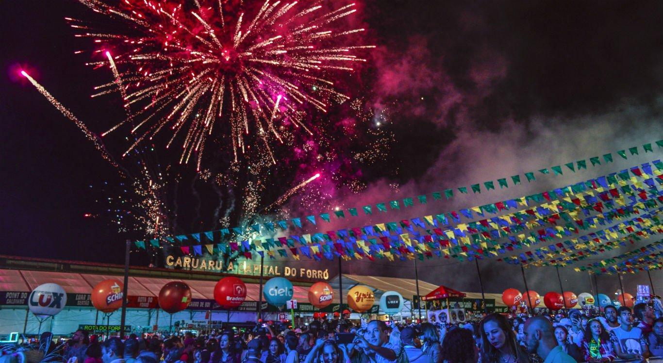 ogos no São João de Caruaru, um dos mais famosos do Nordeste, em 2019: festas juninas canceladas (Foto: Prefeitura de Caruaru)