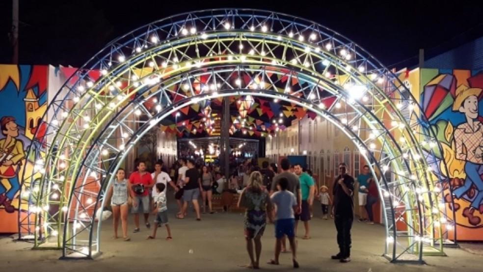 Arraial junino de Patos: cidade do sertão paraibano, que reunia 100 mil pessoas por dia nas festas juninas, cancelou até programação virtual em 2021 (Foto: Prefeitura de Patos)